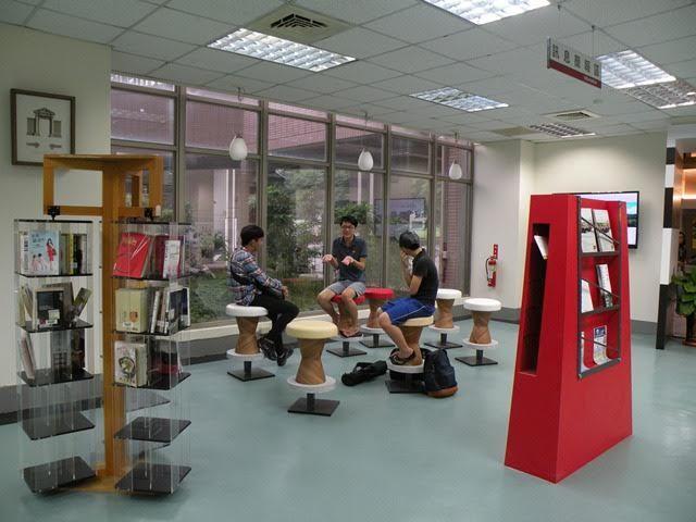 樹德科大禮聘知名圖書館規畫師操刀,把圖書館改造成像精品書屋。記者王昭月/攝影