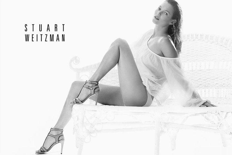 Stuart Weitzman有請凱特摩絲詮釋THE NUDIST綁帶高跟鞋的簡...