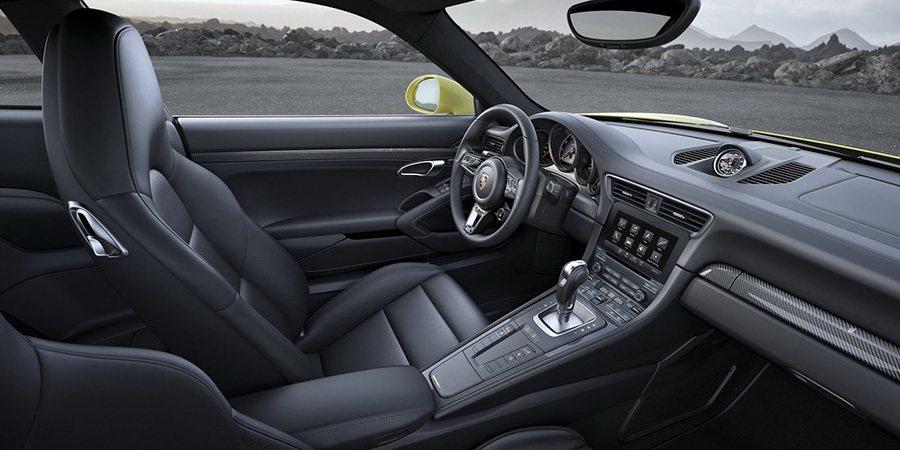 跑車計時套件的另一項新功能是在模式切換器中央的「Sport Response」運...