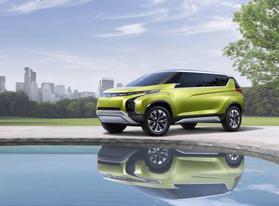 中華汽車公布在年底台北車展展出車款,其中最受矚目的是三菱下一世代多功能休旅車CONCEPT AR,這是三菱2014年首發的新世代手小排氣量油電複合動力休旅。 Mitsubishi提供