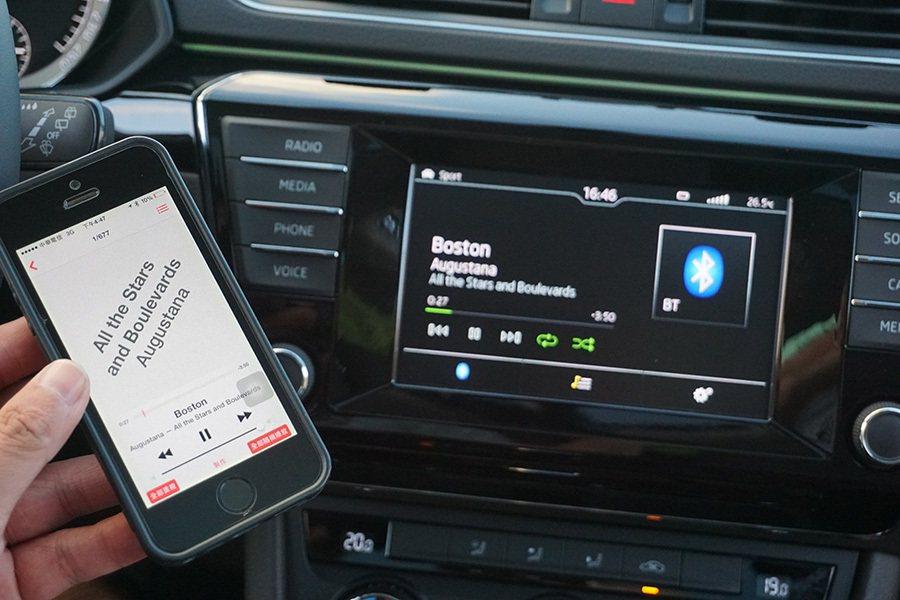 座艙內另一個亮點就是全車系標配的 Smartlink智慧連結系統。 記者敖啟恩/...