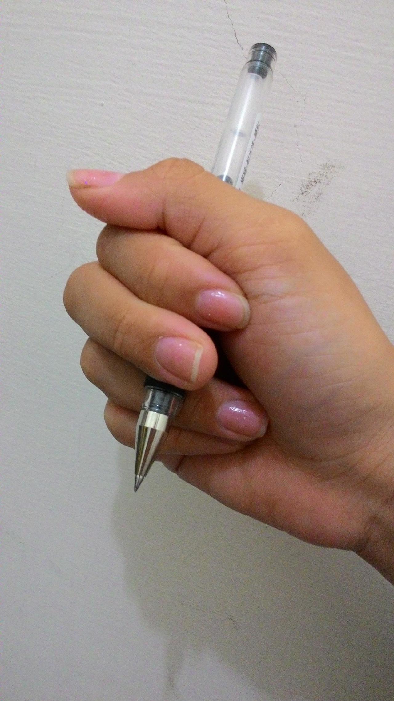 握筆正確似乎很稀有?你是哪種錯誤type? | 鄉民爆卦 | 熱搜話題