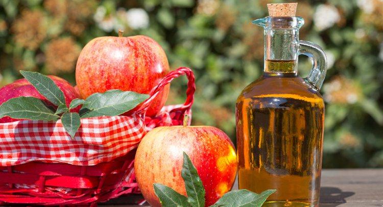 蘋果所含膳食纖維豐富,能夠幫助增加飽足感,也能協助控制血糖,增強體重控制,將蘋果...