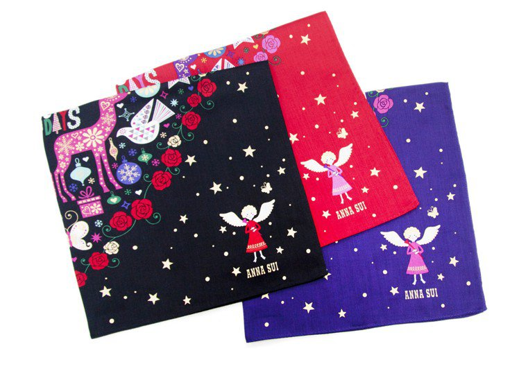 Anna Sui耶誕繽紛天使手帕共有三款。圖/Anna Sui提供