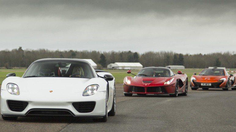 挑戰場地為長達兩英里的私人跑道,參加民眾可駕駛McLaren P1、Porsch...