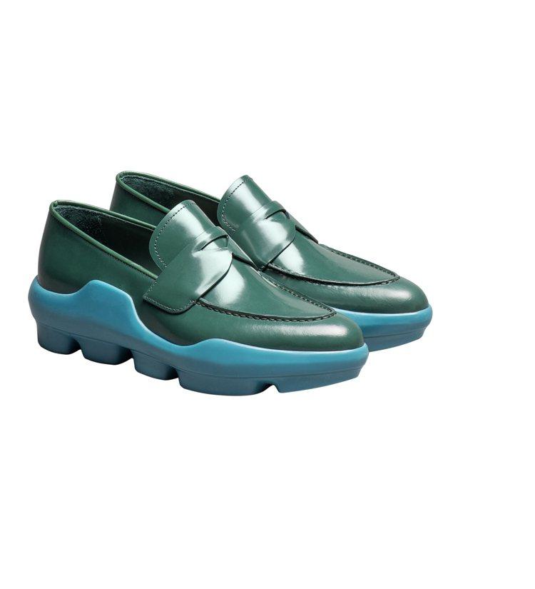 個性摩登莫卡辛鞋,約35,000元。圖/PRADA提供