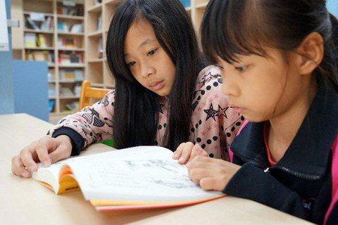 停止弱弱相殘的焦慮吧:新住民母語納入學校課程的爭議