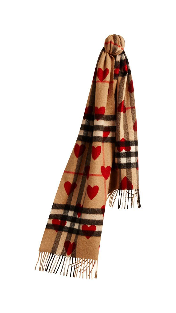 BURBERRY紅色愛格紋Cashmere圍巾,23,500元。圖/BURBER...