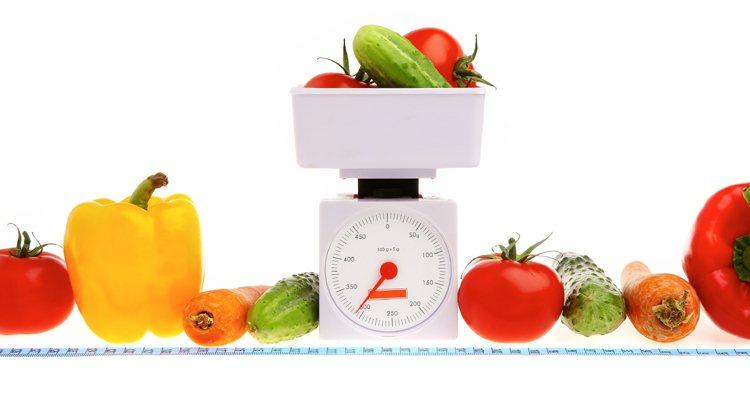 不吃食物瘦得最快,一天可以掉一兩公斤,但是絕食一週身體器官肝臟、腸胃道、腎臟、心...