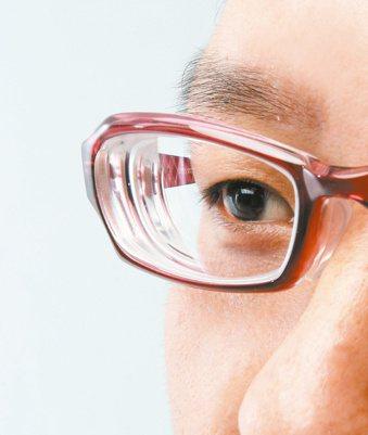 透過眨眼練習,可以緩解乾眼症的症狀。 圖/聯合報系資料照片