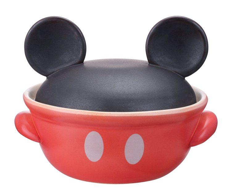 米奇造型鍋在日本大熱賣。圖/麗嬰國際提供