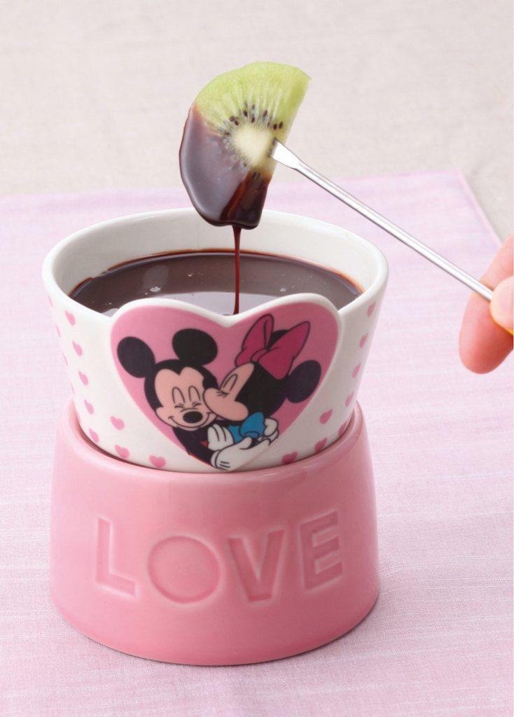 米奇&米妮巧克力鍋,也是熱門商品之一。圖/麗嬰國際提供