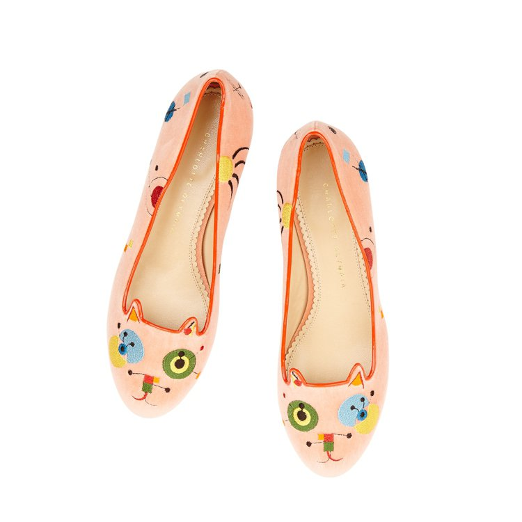 CHARLOTTE OLYMPIA抽象派粉色貓咪平底鞋,售價23,800元。圖/...