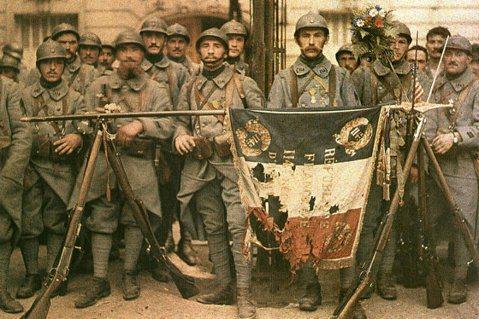 第一次世界大戰摧毀法國人近三分之一的家園、失去十分之一的總人口,並讓他們背負了難...