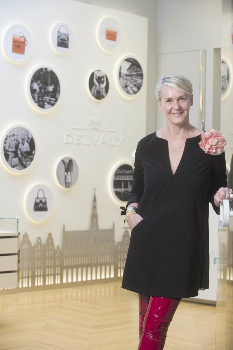 Christina Zeller為DELVAUX的藝術總監,引領整個品牌的設計與...
