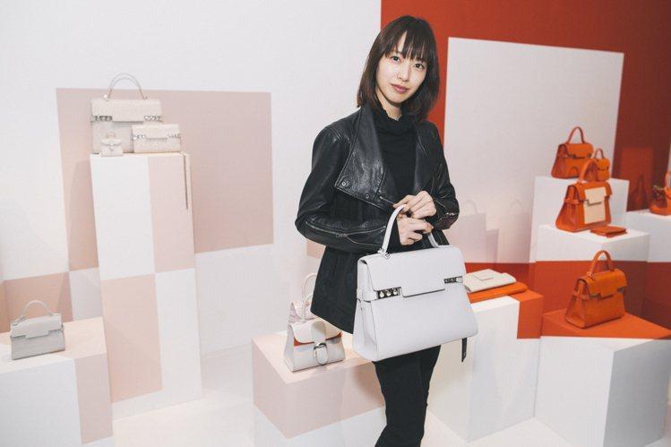 日本女星戶田惠梨香出席巴黎的2016春夏發表。圖/DELVAUX提供