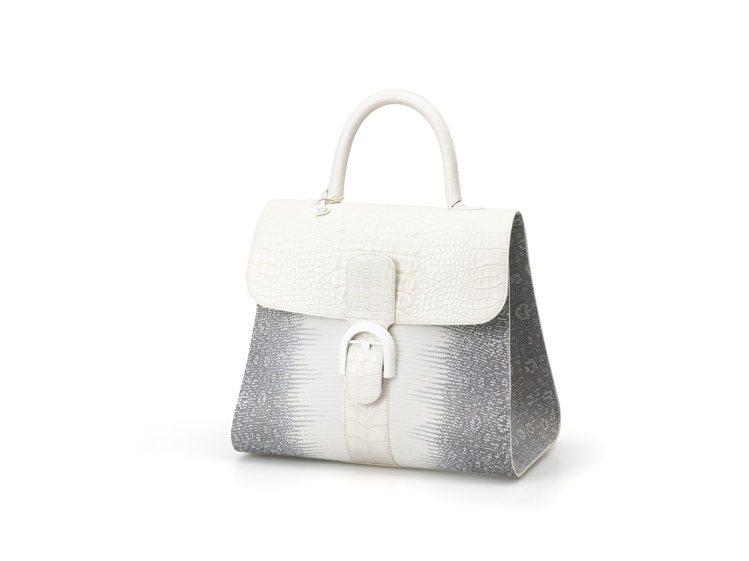 Brillant系列白色蜥蜴皮大型手提包,售價1,877,300元。圖/DELV...