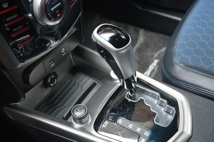 兩套動力都是搭配的變速箱都附手動換檔的日系Aisin的6速自排變速箱。