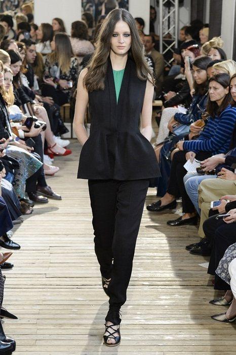 來自黎巴嫩的設計師Maison Rabih Kayouz,以結構展現出衣服的美,...