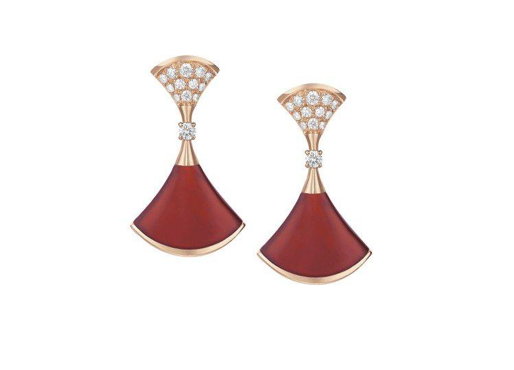 DIVA玫瑰金鑲嵌紅玉髓與鑽石耳環,12萬900元。圖╱寶格麗提供
