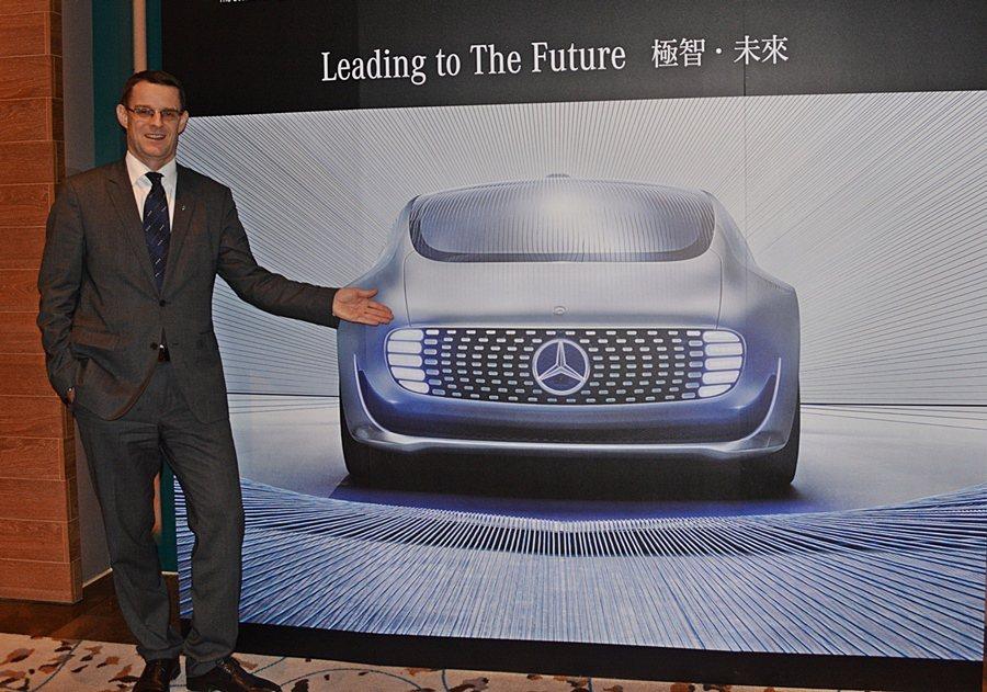 台灣賓士總裁邁爾肯宣布,F015將來台展出,目前也在安排有無可能在特定路段,讓它...