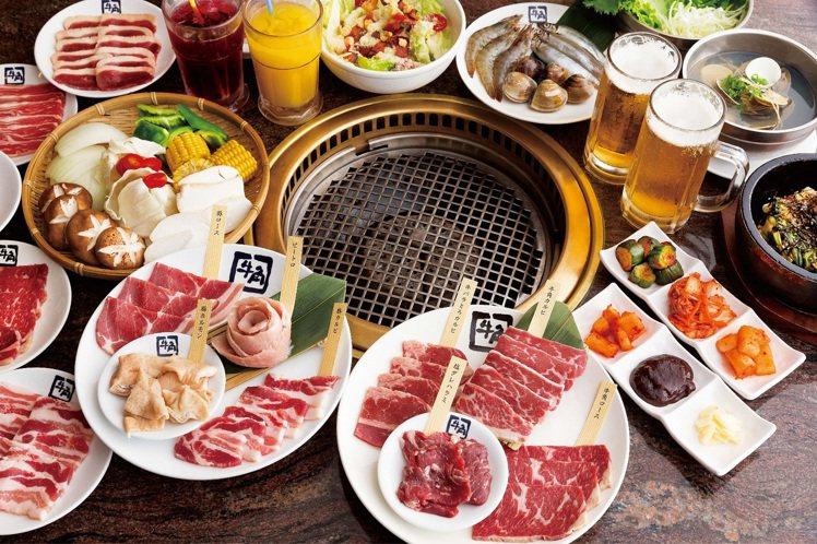 牛角日本燒肉專門店,活動期間啤酒類商品全面買一送一。圖/華泰名品城