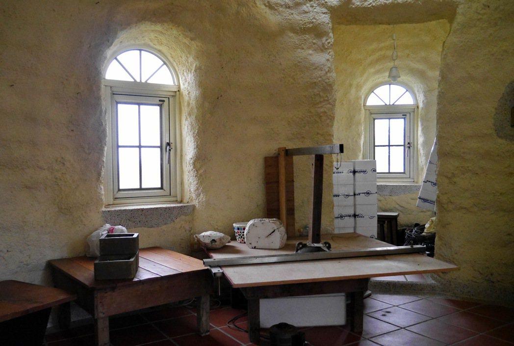 度咕屋的特殊設計讓房子裡頭冬暖夏涼。 記者陳威任/攝影