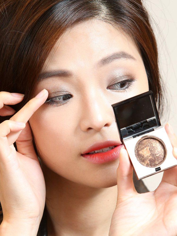 韓劇女主角高濬熙仿妝,步驟三。記者林澔一/攝影