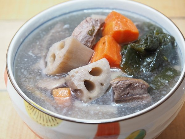 煲湯用料頗實在,一盒的份量適合兩人分享,一人獨享則頗有飽足感。