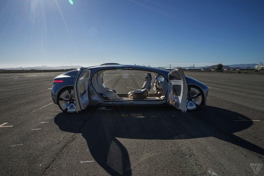 賓士的F015開啟了無人車的時代。 圖/Mercedes Benz提供