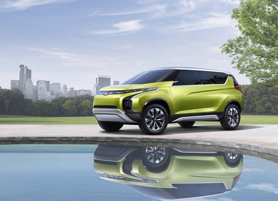 Mitsubishi AR Concept概念跑旅結合高效複合動力系統。