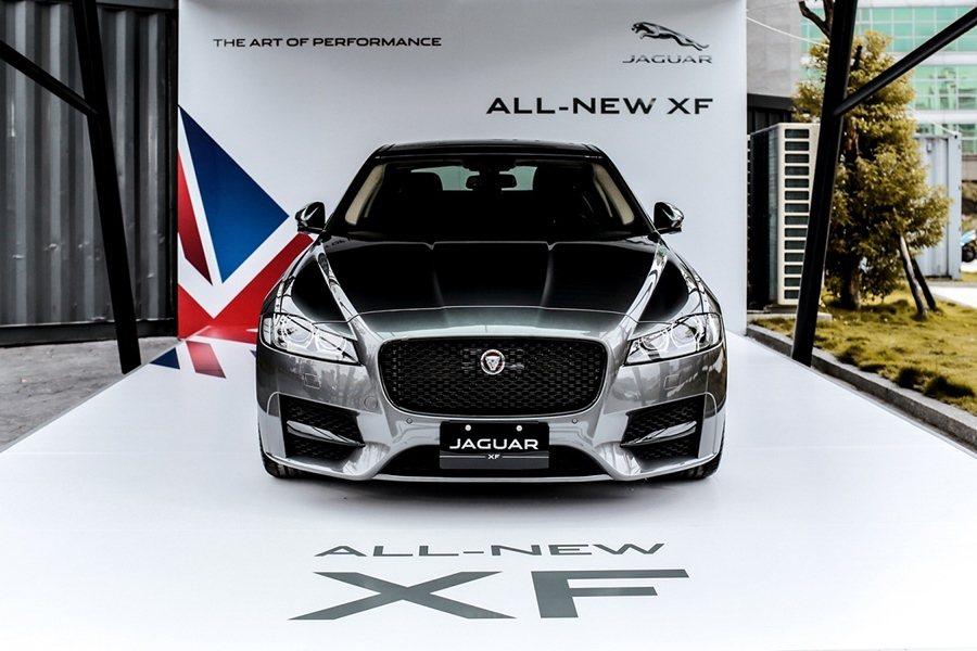 輕量化也是解決地球暖化、氣候異常的重要手段,車展中,Jaguar展出XF Gra...