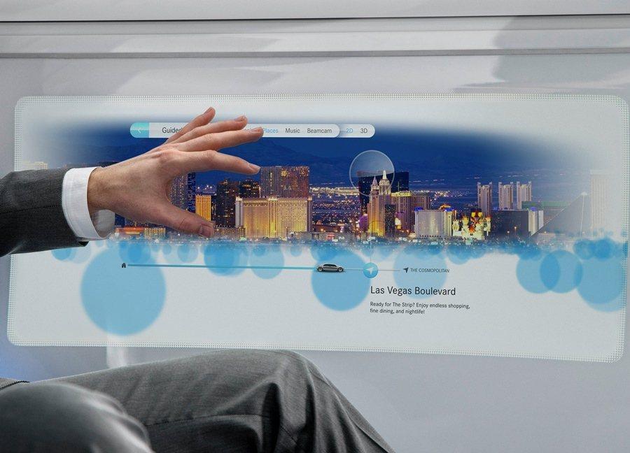 賓士F015也具備許多先進科技,如手勢辦識控制系統等。