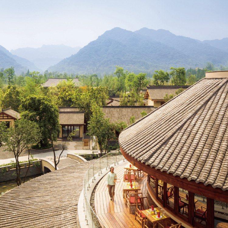 青城山六善酒店宛如現代桃花源。 圖/珠寶之星