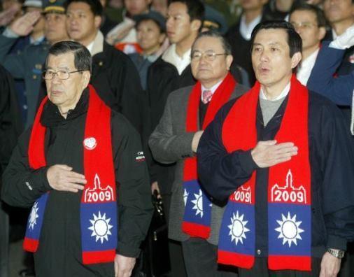 銷量=總統人氣?「國旗圍巾」8年來的變化是...