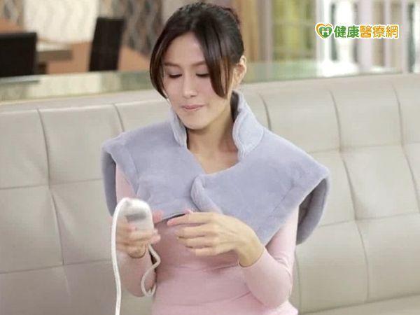 戴鴻偉醫師表示,疼痛時使用熱敷墊其實是個不錯的選擇。