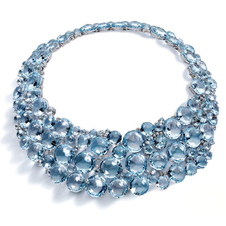 A & FURST 藍色托帕石項鍊。 圖/珠寶之星