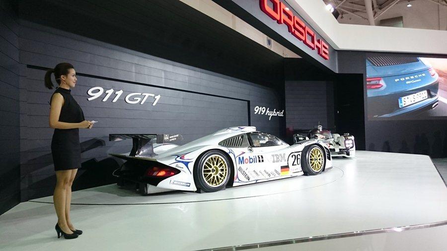 保時捷台北世界新車大展,發表全新911 Carerra S,另有今年WEC世界耐...