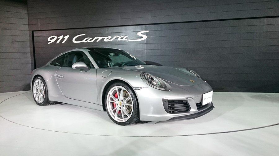 全新911 Carerra S,搭載和911 Carerra相同的新一代3.0雙...