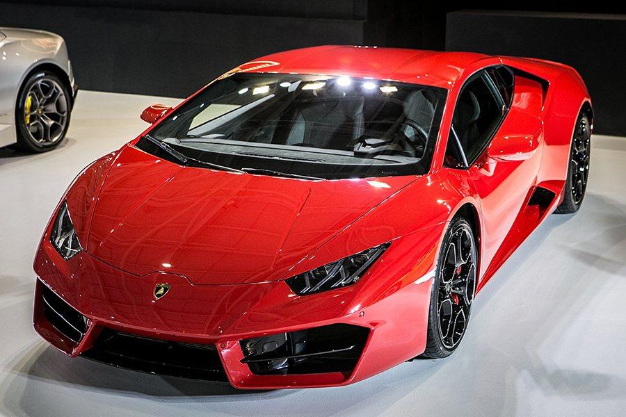 Lamborghini Huracan LP 580-2 Lamborghini...