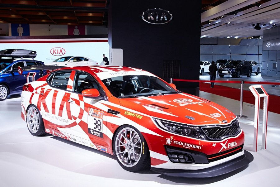 KIA現場展出Optima Racing Edition。