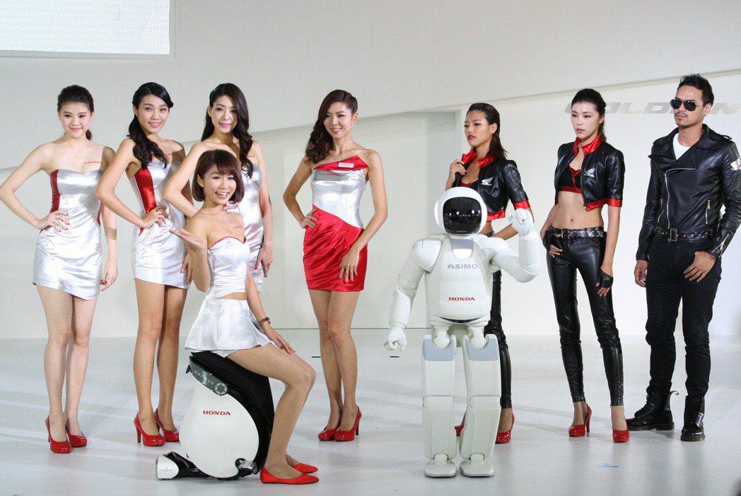 除了邀請全世界最先進的類人形機器人ASIMO,最新進化的新世代個人移動載具UNI...