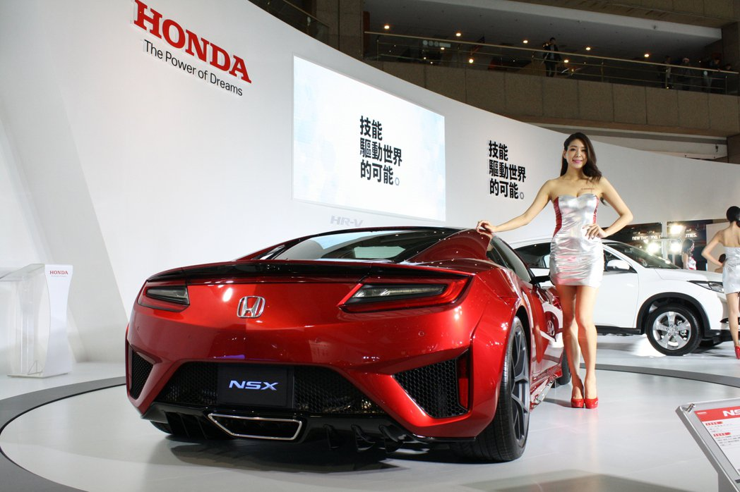 Honda NSX不僅性能強悍,Honda也導入許多新世代汽車科技。 記者林翊民...