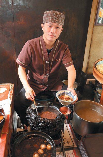 台南度小月傳承百年來的好味道。 記者劉學聖/攝影