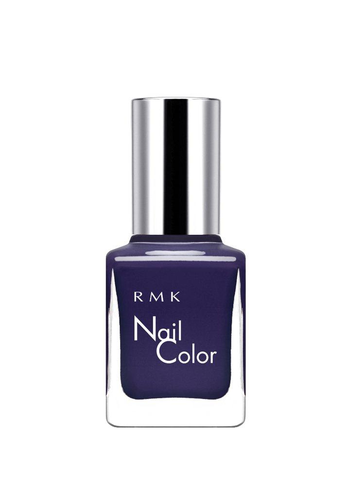 RMK絕色限量指甲油色號深邃夜空藍,售價550元。圖/RMK提供