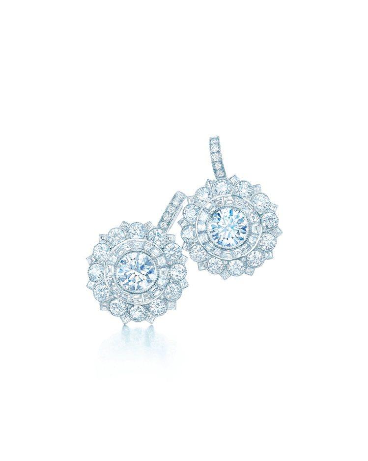 (相似圖)Tiffany floral 玫瑰式切割鑽石鉑金耳環,NT$ 1,82...