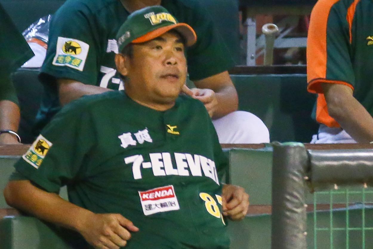 陳連宏曾帶領獅隊拿下2013年中職總冠軍,但從2014年起起連三年下半季戰績墊底...