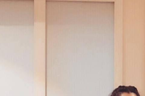 徐若瑄趁著聖誕假期回台,昨天才帶著小V寶Dalton與賈靜雯女兒咘咘相會,萌女Q兒的組合被網友大讚金童玉女,簡直可以上演娃娃親了。今天徐若瑄又帶著小V寶與關穎女兒CC「約會」,Dalton還穿上寫有...