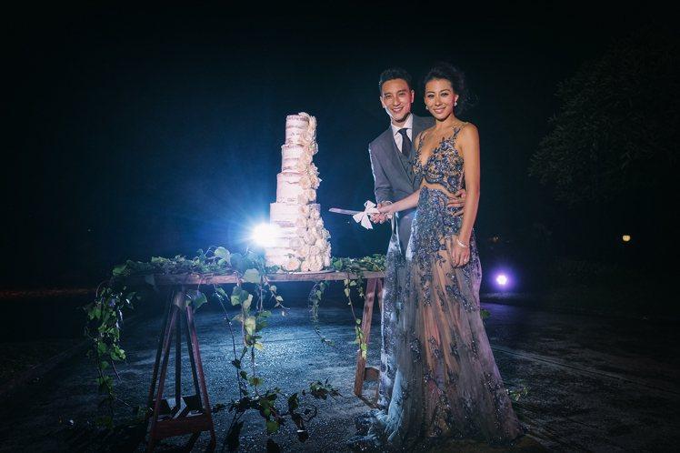 王陽明與蔡詩芸婚禮晚宴,蔡詩芸佩戴Tiffany珠寶展現優雅風姿