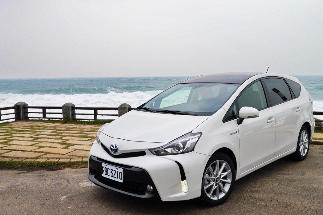 Toyota PRIUS α。 記者陳威任/攝影